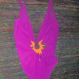 Gottex one piece bathing suit